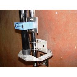 Soporte de pared para Mastil o antena vertical